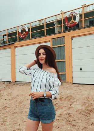 Белая удлинённая рубашка на плечи в полоску river island