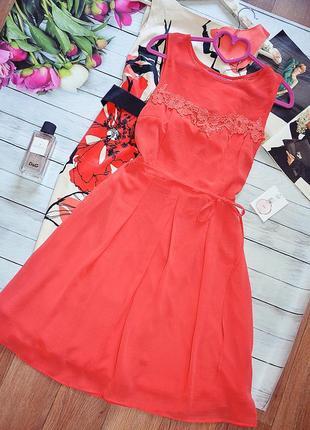 Шикарное шифоновое платье с кружевом