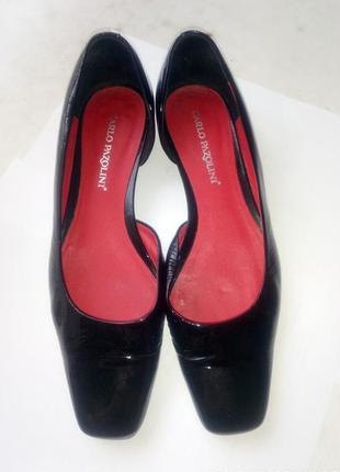 Туфли лаковые pablo pazolini.