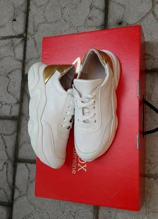 Кожаные кроссовки криперы белоснежные золото подошва танкетка6 фото
