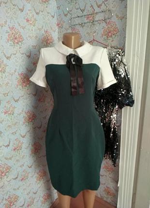 Зелено-біла сукня