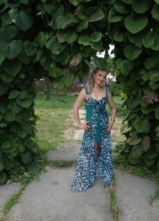 Безумно красивое платье ,сарафан ,спереди короткое ,сзади длинное