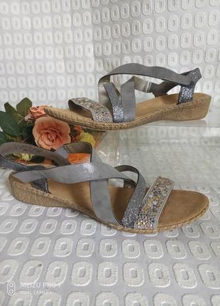 Красивие боссоножки сандали от rieker 41p