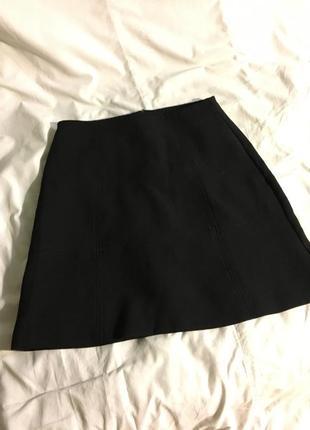 Чорна класична юбка