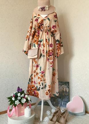 Шелковистое летнее платье в цветочный принт с оригинальными рукавами кейп lacrecci
