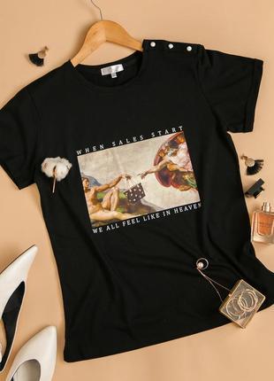 Стильная футболка с оригинальным принтом