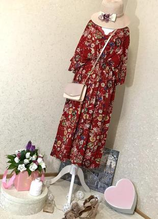 Летнее красное платье миди в цветочный узор с кружевом lacrecci