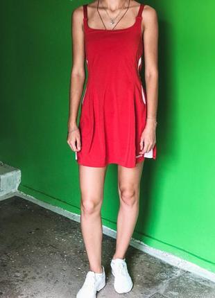 Спортивное платье reebok