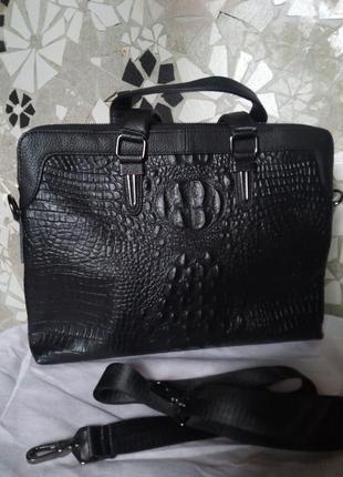 В наличии портфель, сумка  из натуральной кожи.