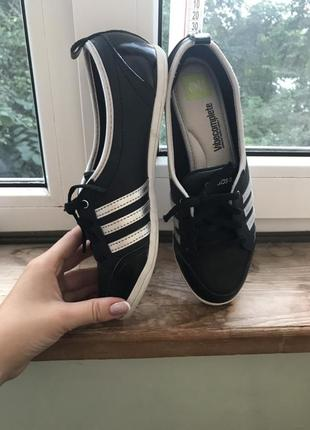 Adidas neo кроси
