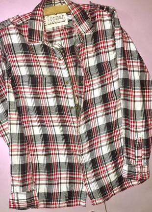 Рубашка от topman.на молнии и на кнопках. b клетку  ;белая+чёрная +красная  расцвека