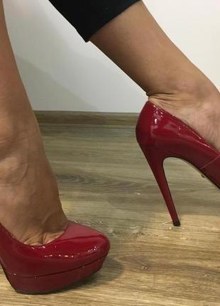 Туфли красные кожа лакированные