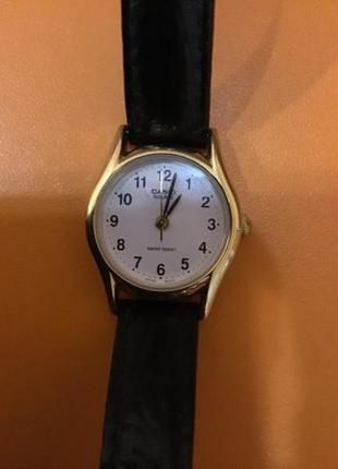 Женские наручные часы casio в идеальном состоянии