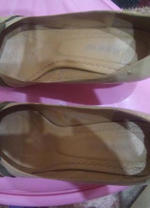 """Классические женские кожанные туфли, средний каблучок типа """"рюмочки"""", 40 размер"""