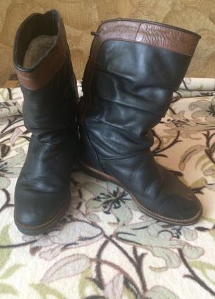 Зимние кожаные сапоги для девочки.