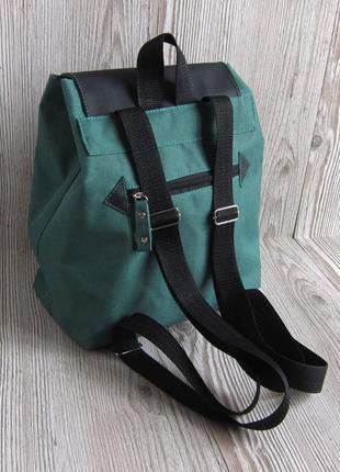 Велорюкзак зелёного цыета speedo рюкзаки украина